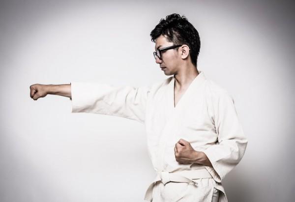 【心身ともにトレーニング】強くなりたい男子へ贈る「格闘技」のススメ!