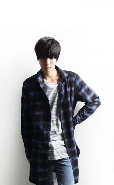 画像4・秋服・ロングチェックシャツ