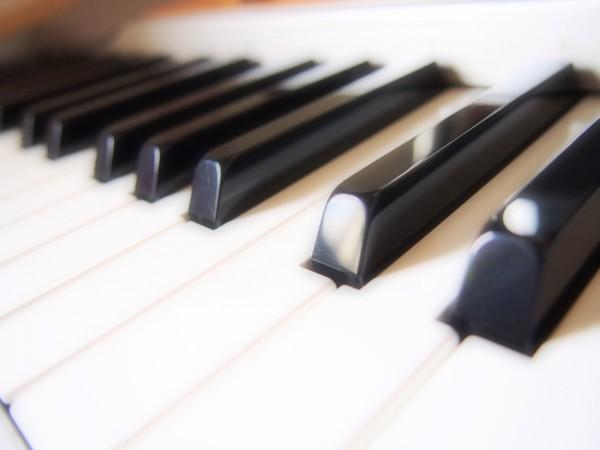 【人気者の嗜み】芸術の秋「ピアノ」が弾けるとこんなにモテる!