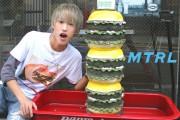 【小川和也が行く!】突撃!ハンバーガーの旅 in TOKYO 『KUA`AINA』編