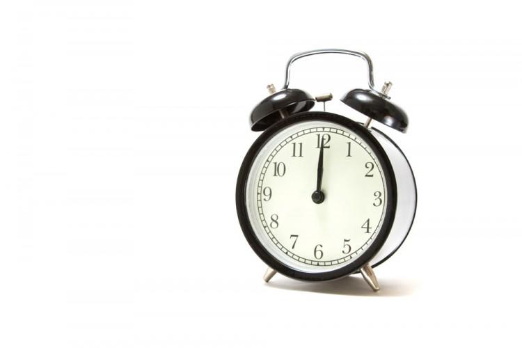 【寝坊しやすい人必見】遅刻をごまかすための言い訳テンプレ