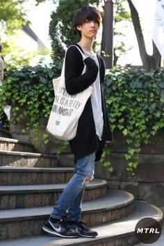 2016年秋の渋谷原宿リアルスタイル【MTRL_SNAP】トレンドのロング丈アウターを上手く着こなす 須藤 雄大