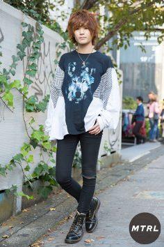 2016年秋の渋谷原宿リアルスタイル【MTRL_SNAP】個性的なシルエットのトップスがポイントのストリートコーデ!吉田 拓巳