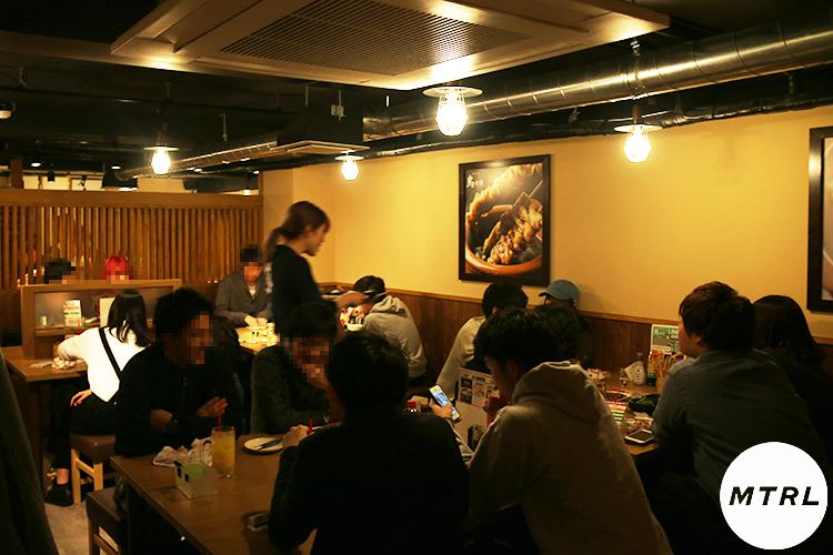 【コスパ最強!】1480円で焼き鳥が食べ放題!高校生に話題の渋谷「鳥放題」に行ってみた