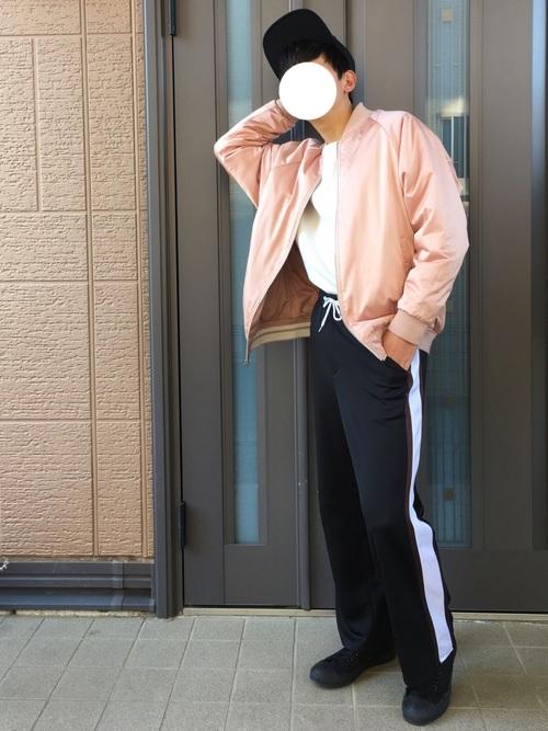 """【コーデを簡単春仕様に!】今コーデに""""ピンク""""を取り入れるのが正解!"""
