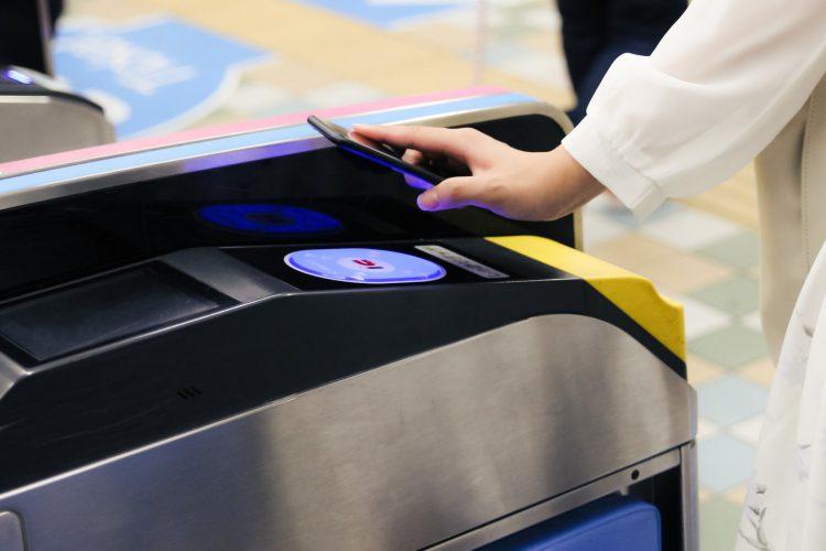 【超便利スマホケース】Suica&PASMOが入るiPhoneケースまとめ
