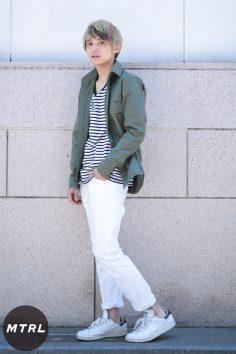 2017年春の渋谷原宿リアルスタイル【MTRL_SNAP】ホワイトパンツが眩しい春のミリタリーコーデ イトウユウタ
