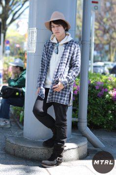 2017年春の渋谷原宿リアルスタイル【MTRL_SNAP】春らしいベージュのハットを使ったカジュアルコーデ 小川哲央