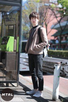 2017年春の渋谷原宿リアルスタイル【MTRL_SNAP】色味を落ち着かせた大人めモテコーデ ミウラショウ