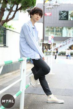 2017年春夏の渋谷原宿リアルスタイル【MTRL_SNAP】パジャマシャツを使った女子ウケあざとコーデ 小木純之介