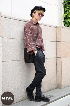 2017年春の渋谷原宿リアルスタイル【MTRL_SNAP】小物で遊びをプラスした古着コーデ 保科彰斗