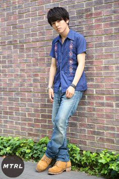 2017年春夏の渋谷原宿リアルスタイル【MTRL_SNAP】古着のキューバシャツが印象的なカジュアルコーデ 小川哲央