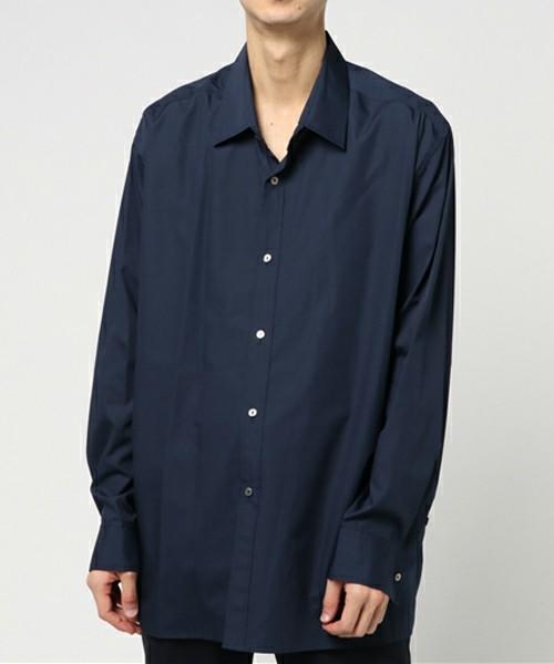 ネイビーのシャツはモテアイテム