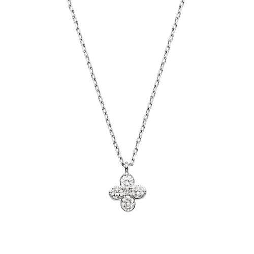 VA サンファンブランネックレス。 Vandome aoyamaの妹ブランドのVAからは、可憐なフラワーモチーフのプラチナネックレス。 シンプルながらもダイヤモンドが5石それぞれ胸元で光り輝きます。