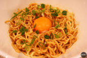 自炊ランチで食べたい!インスタントラーメンを激変させる魔法のアレンジレシピ4選