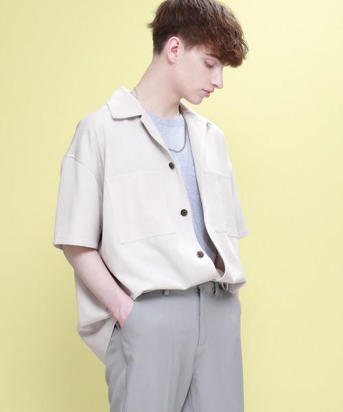 各パーツのステッチが白で配色された、印象に残るデザイン。 胸元のビッグポケットに、ビッグボタンなど、細部にまで遊び心を加えました。 カラーも定番色からトレンドの柄、くすみカラーまで豊富にご用意しております。 EMMA CLOTHES TRストレッチ ビッグステッチ オーバーボックス CPO シャツ 1/2 sleeve(EMMA CLOTHES) ¥4,455