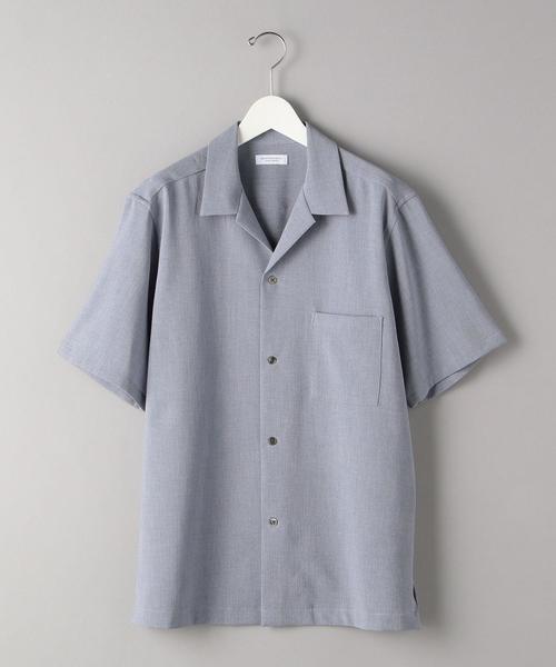 清涼感があり、軽さのあるオープンカラーシャツ。 麻調のポリエステル素材を採用。 麻特有のフシの入った表情を色の濃淡で表現しています。 ポリエスエルを採用する事で、さらりとして着心地もよく、適度な麻感を楽しんでいただけます。 シルエットは身幅にはゆとりをもうけ、肩位置は下げ過ぎない事で、程良いバランスにしました。 BEAUTY&YOUTH UNITED ARROWS BY リネンタッチ オープンカラー リラックスレギュラー シャツ ¥11,000